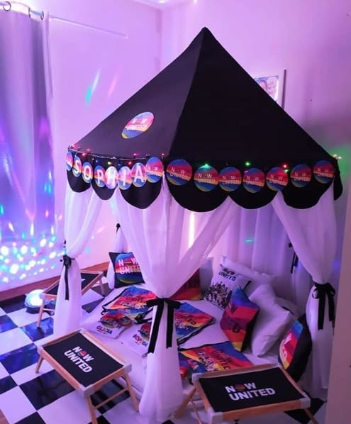 decoracao de festa do pijama em casa com tema Now United