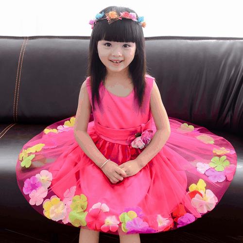 fantasia com vestido de flor para menina