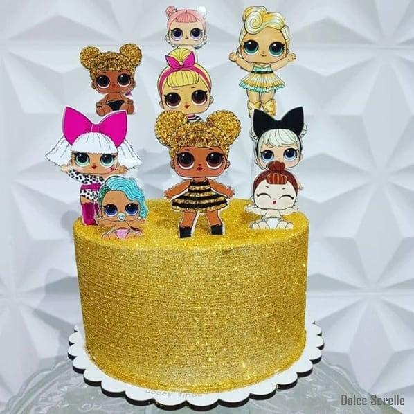 bolo da lol com glitter dourado