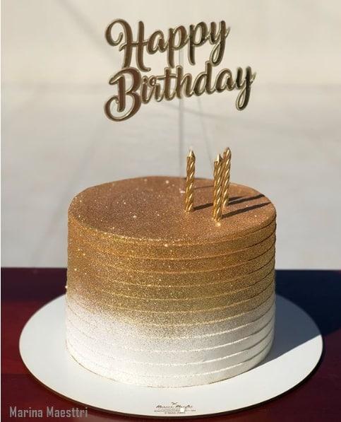 bolo redondo com glitter dourado e branco