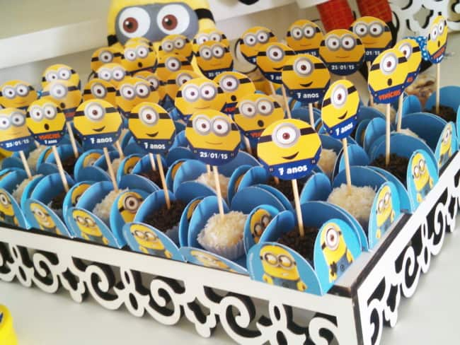 docinhos decorados para festa minions