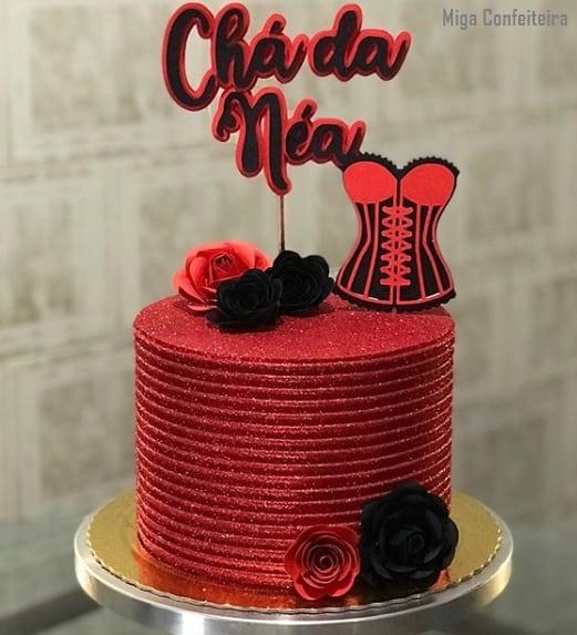 bolo para cha de lingerie com glitter vermelho