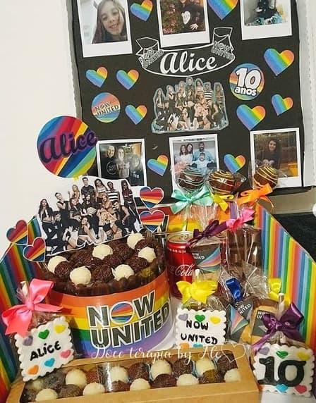 festa na caica com bolo Now United
