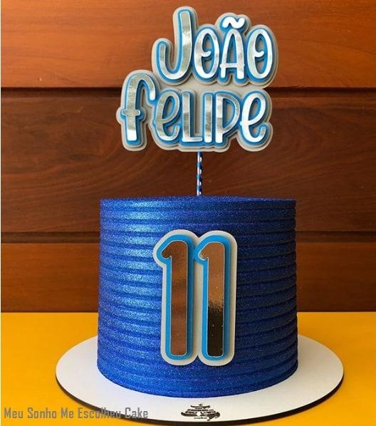 bolo de menino azul com glitter