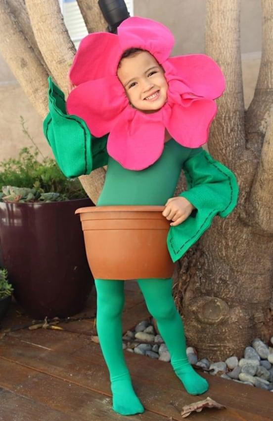 fantasia infantil criativa de vaso de flor