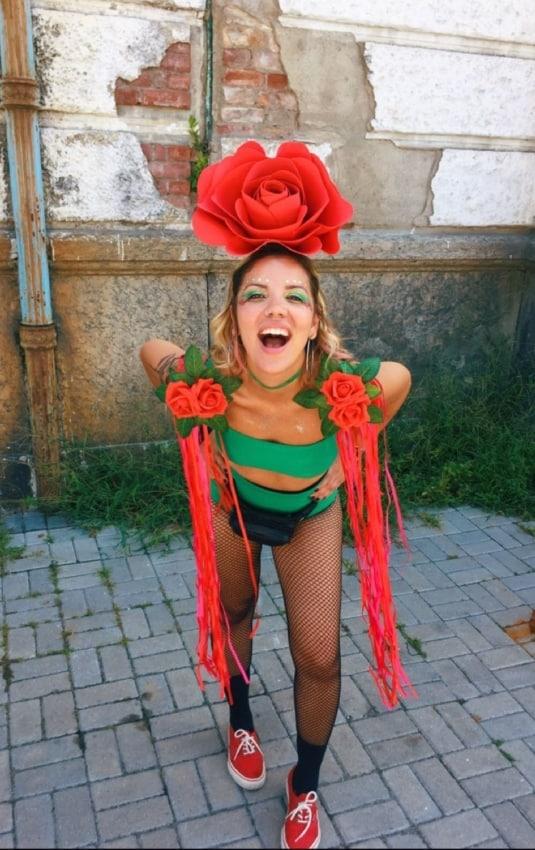 fantasia feminina para carnaval de rosa vermelha