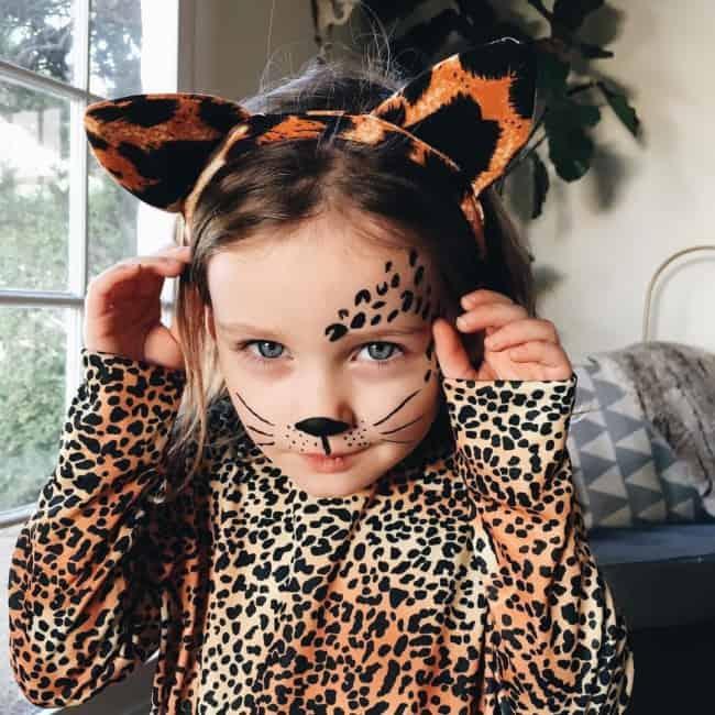 fantasia de onca infantil com maquiagem facil