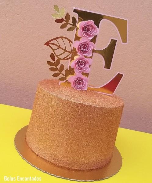 glow cake rose gold com topo de papel