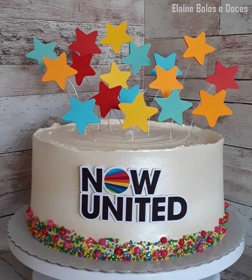 bolo de 1 andar Now United