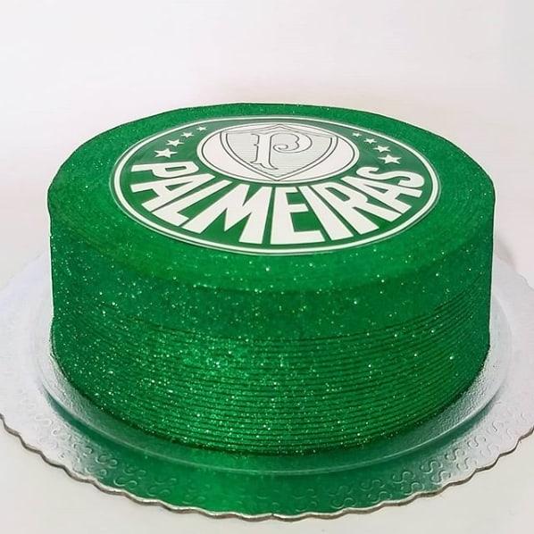 bolo do Palmeiras com glitter verde