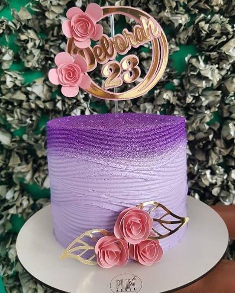 bolo lilas com glitter