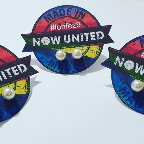 lembrancinha com brinco para festa Now United