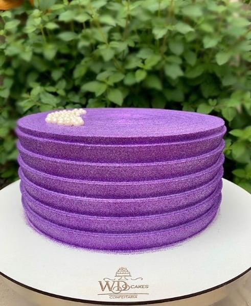 glow cake roxo