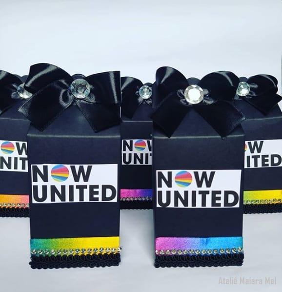 caixinha de luxo para lembrancinha Now United