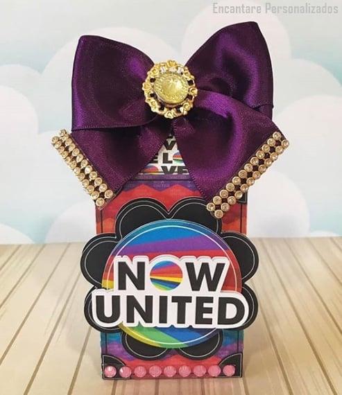 caixinha decorada para lembrancinha Now United