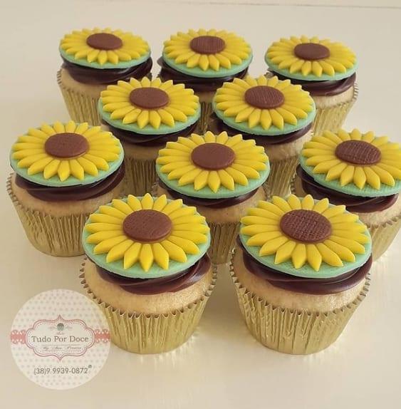 decoracao de girassol para cupcake de pasta americana