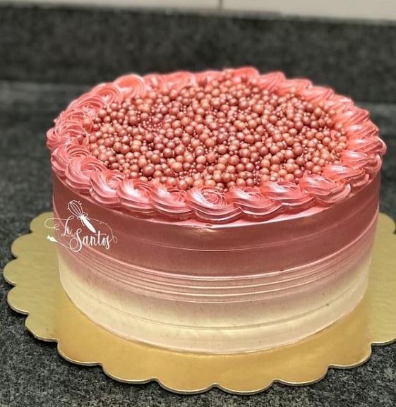bolo redondo de chantilly rose gold