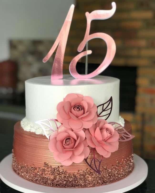 bolo de 15 anos rose gold