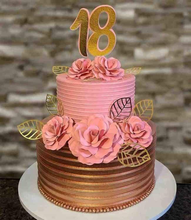 bolo de 18 anos rose gold com 2 andares