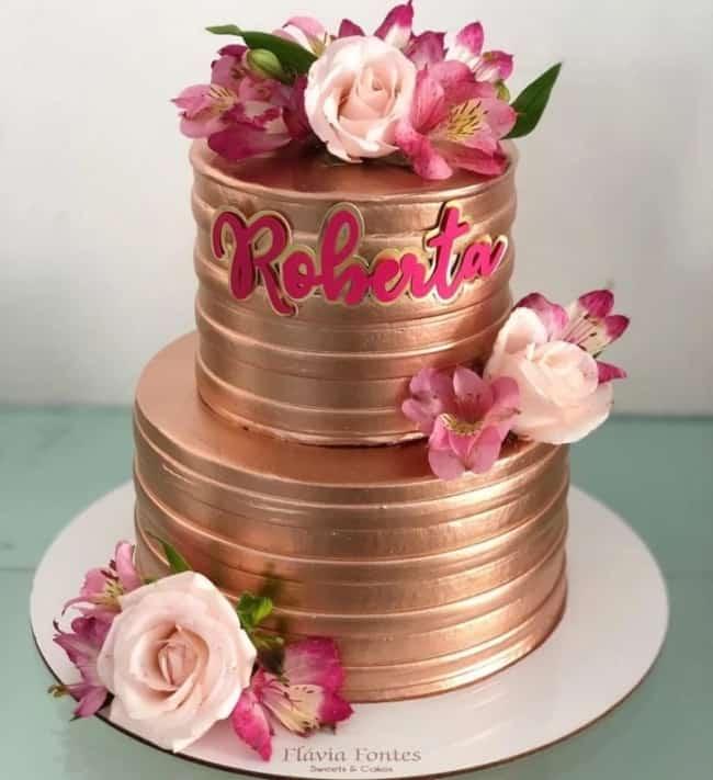 bolo de 2 andares rose gold com flores