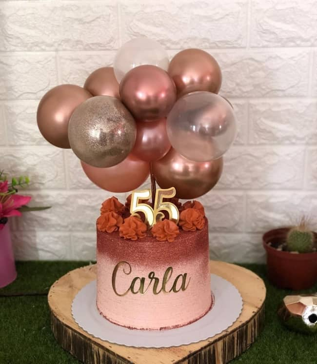 bolo rose gold com glitter e baloes