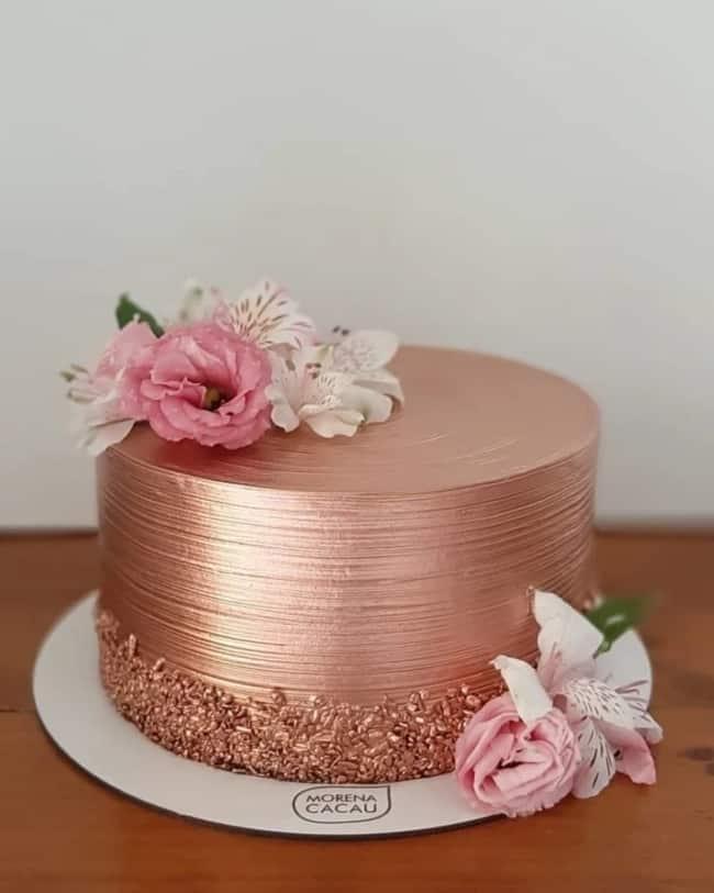 bolo de 1 andar rose gold com flores naturais