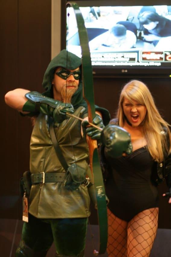 Personagens Canario Negro e Arqueiro Verde DC
