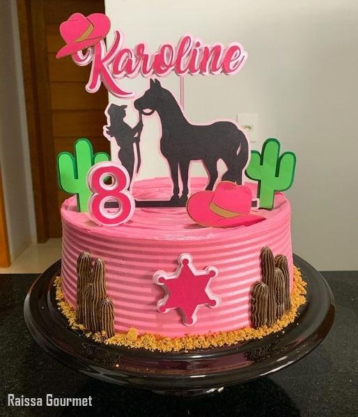 bolo rosa country com topo feminino