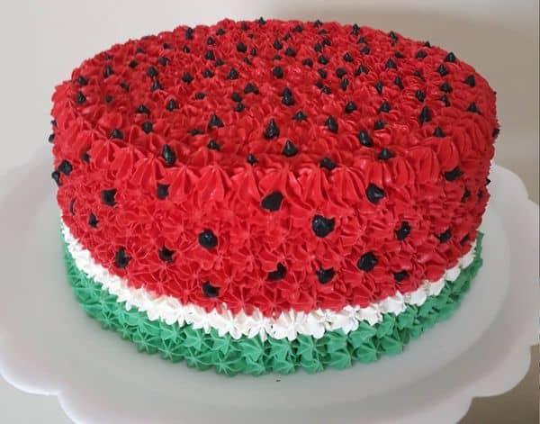 decoracao simples para bolo redondo melancia