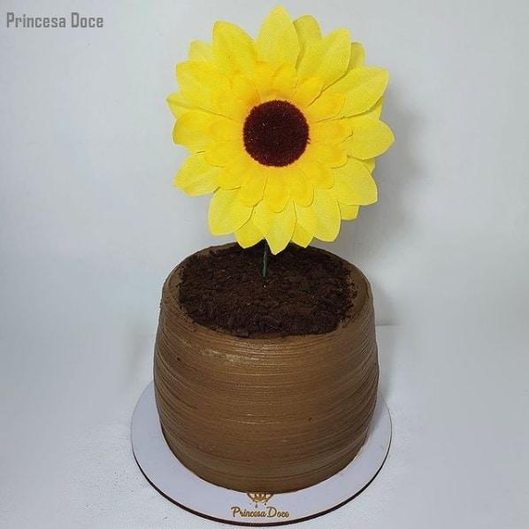 bolo de girassol com topo simples