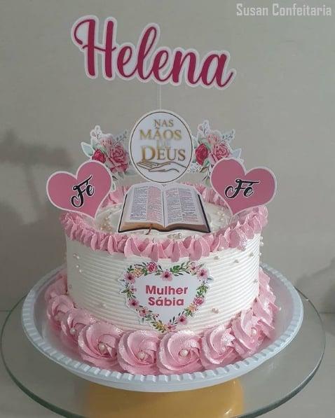 bolo com toppers evangelicos para mulher