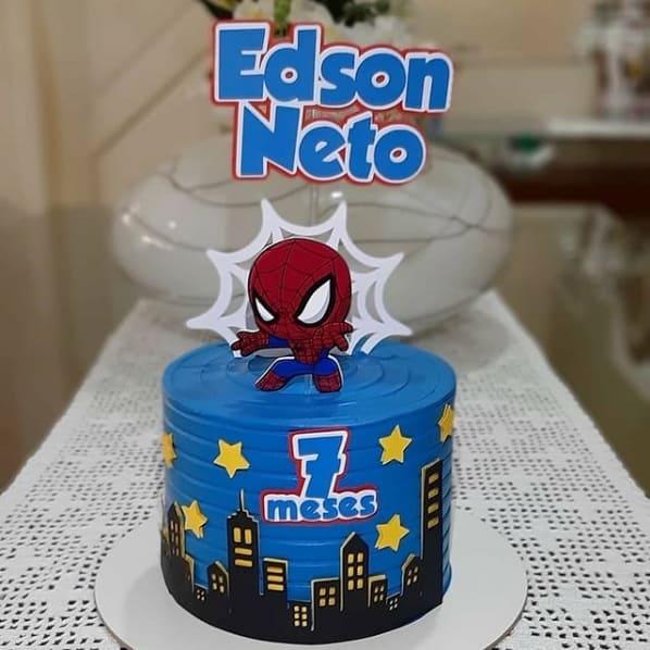 bolo com topo cute do Homem Aranha