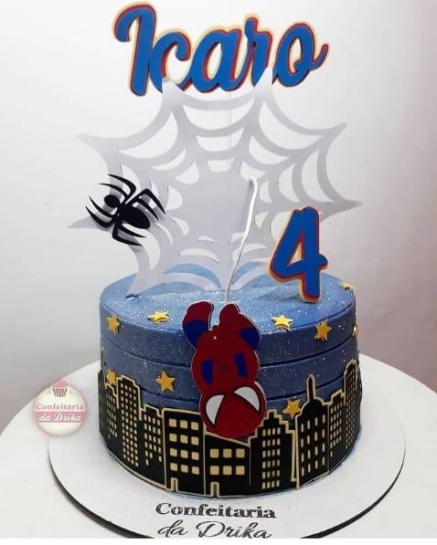 bolo personalizado e com decoracao do Homem Aranha cute