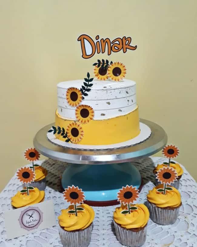 decoracao simples de bolo girassol com topo