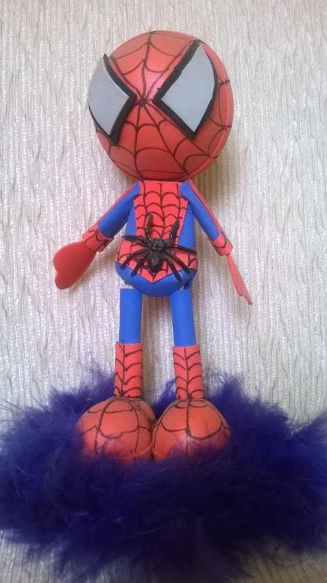 decoracao de EVA para topo de bolo do Homem Aranha