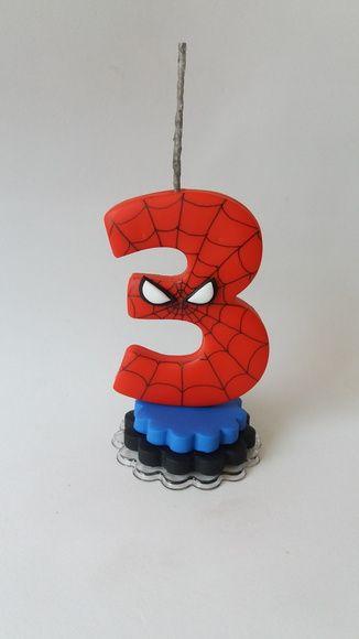vela decorado do Homem Aranha para topo de bolo