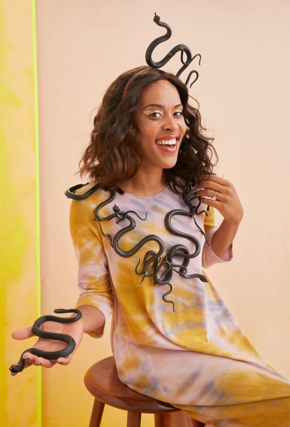 As cobras fazem toda a diferenca no traje da Medusa