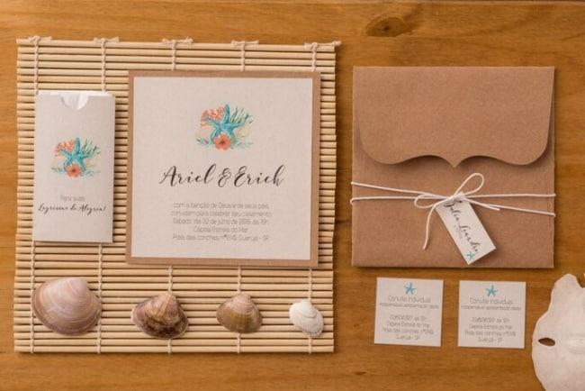 Ate um convite para casamento praiano pode receber detalhes rusticos