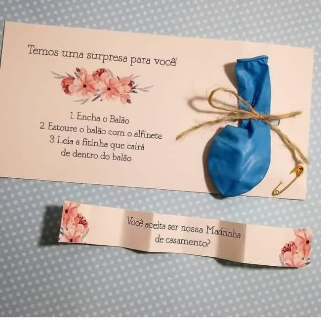 Convite para madrinhas e padrinhos com bexiga surpresa
