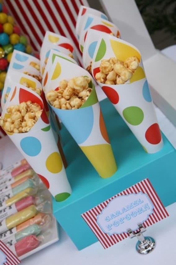 Papeis coloridos com embalagem customizada