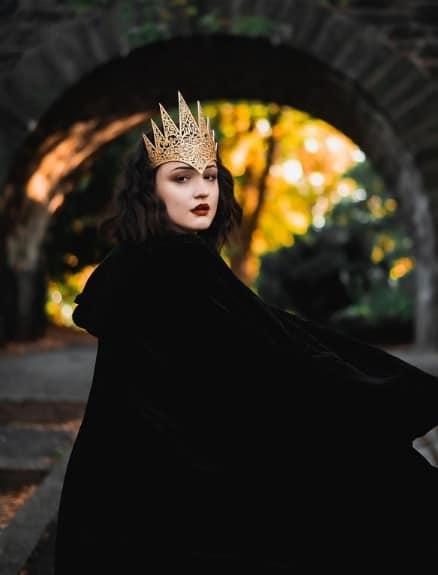 fantasia de rainha das trevas com capa