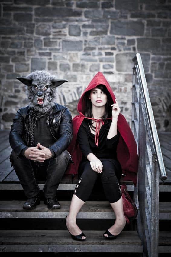 fantasia de casal lobo mau e chapeuzinho vermelho