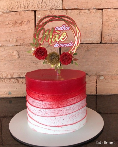 bolo vermelho com topo melhor mae do mundo