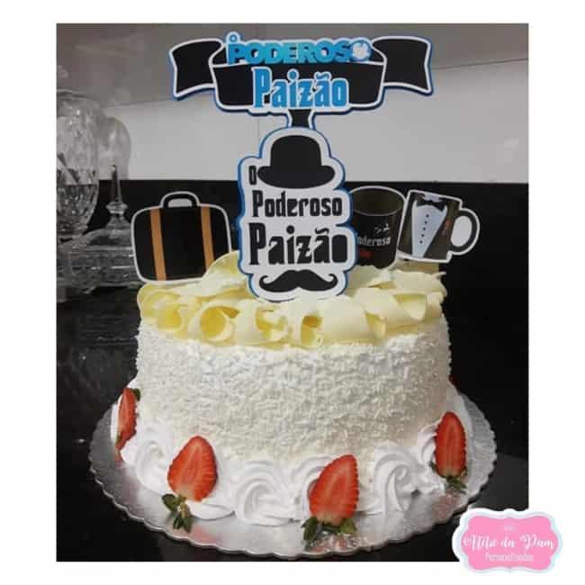 bolo de chocolate branco com topo poderoso paizao