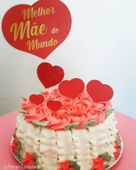 bolo decorado com topo de melhor mae do mundo