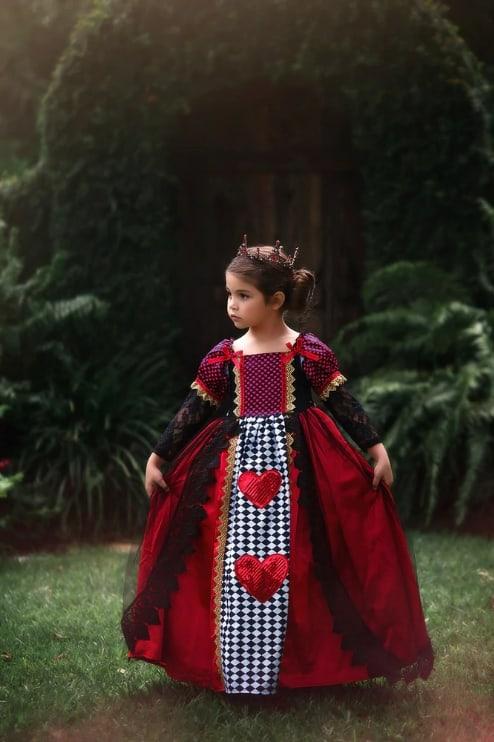 fantasia infantil de rainha de copas com vestido