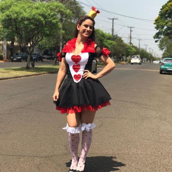 fantasia de rainha de copas com vestido