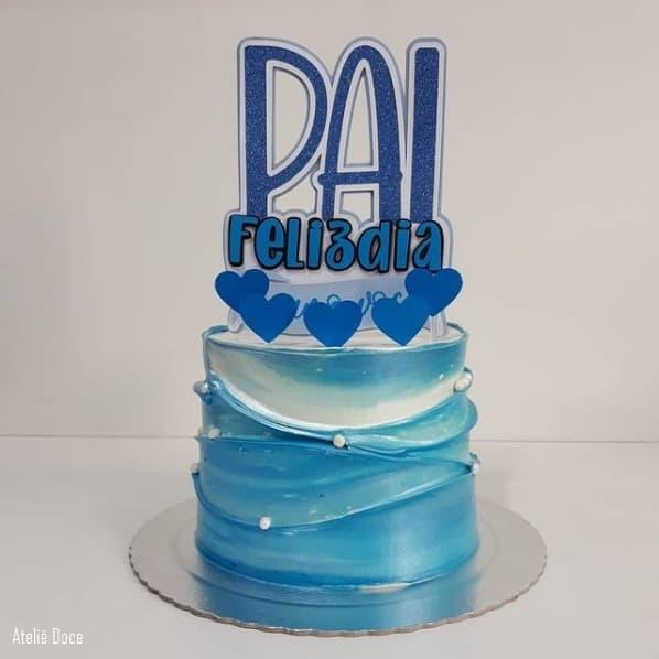 bolo redondo azul com topo de feliz dia dos pais