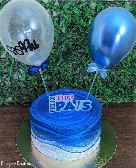 baloon cake com topo de feliz dia dos pais