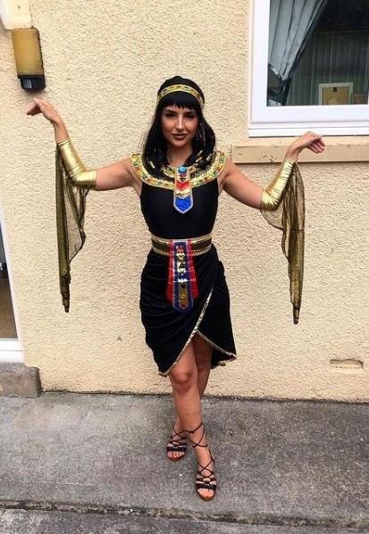 fantasia de rainha do egito com vestido preto curto